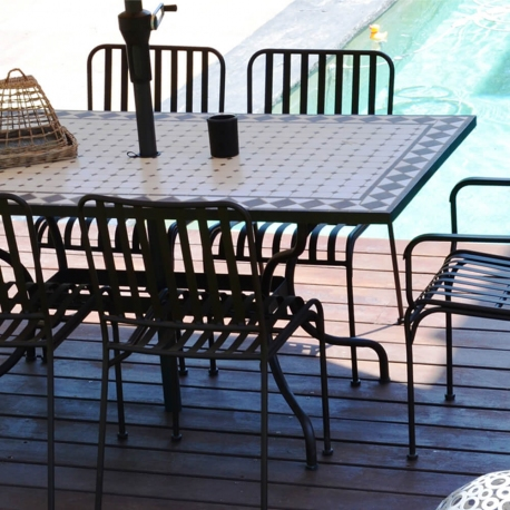 Table Rectangulaire Mozaik 160 x 90 cm, Plateau en Mosaïque, Pied en Métal Démontable avec Trou Central pour Parasol