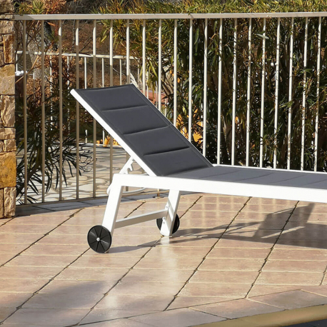 XL aluminum sun lounger FORLI 202x75x43 cm - With Wheels - White structure with gray quilted canvas