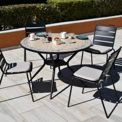 Lot de 4 Chaises + Table Ronde Zelie Diamètre 110cm, Plateau en Mosaique, Pied en Métal avec Trou Parasol